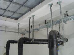 Abwasserdruckleitungen innerhalb einer pneumatischen Abwasserförderanlage