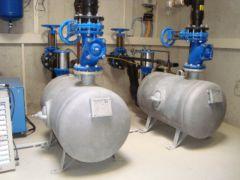 Arbeitsbehälter einer pneumatischen Abwasser-Förderanlage