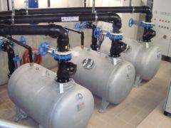 Arbeitskessel einer pneumatischen Abwasser-Pumpstation - FRAPORTa
