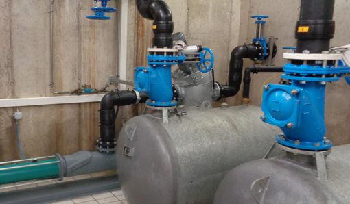 Oekermann Abwassertechnik - Arbeitsbehälter und Verdrängerpumpe